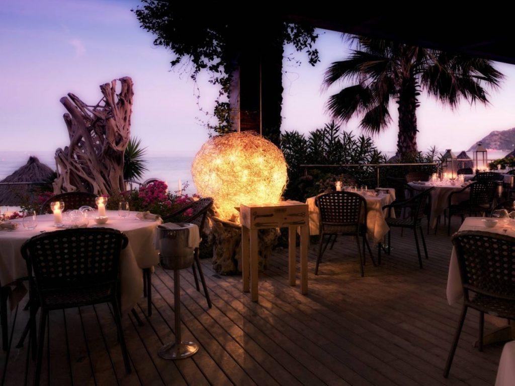 Mare Hotel a Savona | ristorante A Spurcacciun-a | Liguria viaggiatore goumet, spiaggia privata, piscina con acqua di mare