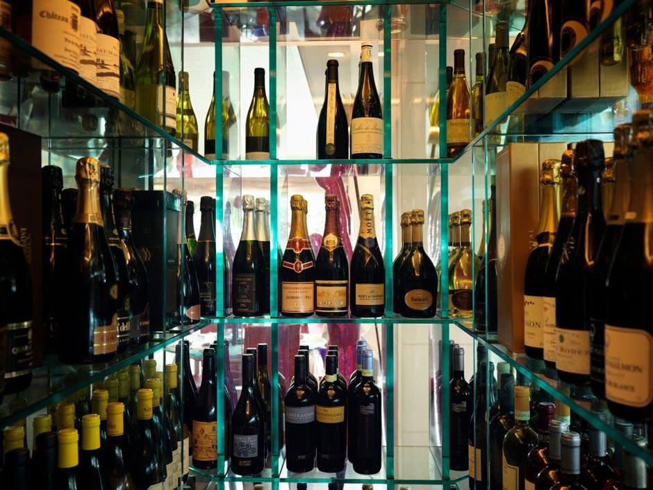 Mare Hotel a Savona | Degustazione vino | Liguria vacanze goumet, spiaggia privata, piscina con acqua di mare