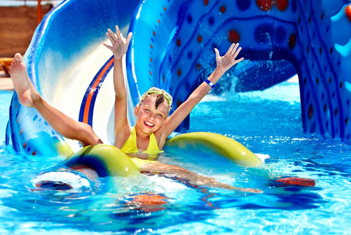Mare Hotel a Savona | parco acquatico | Liguria vacanze goumet, spiaggia privata, piscina con acqua di mare